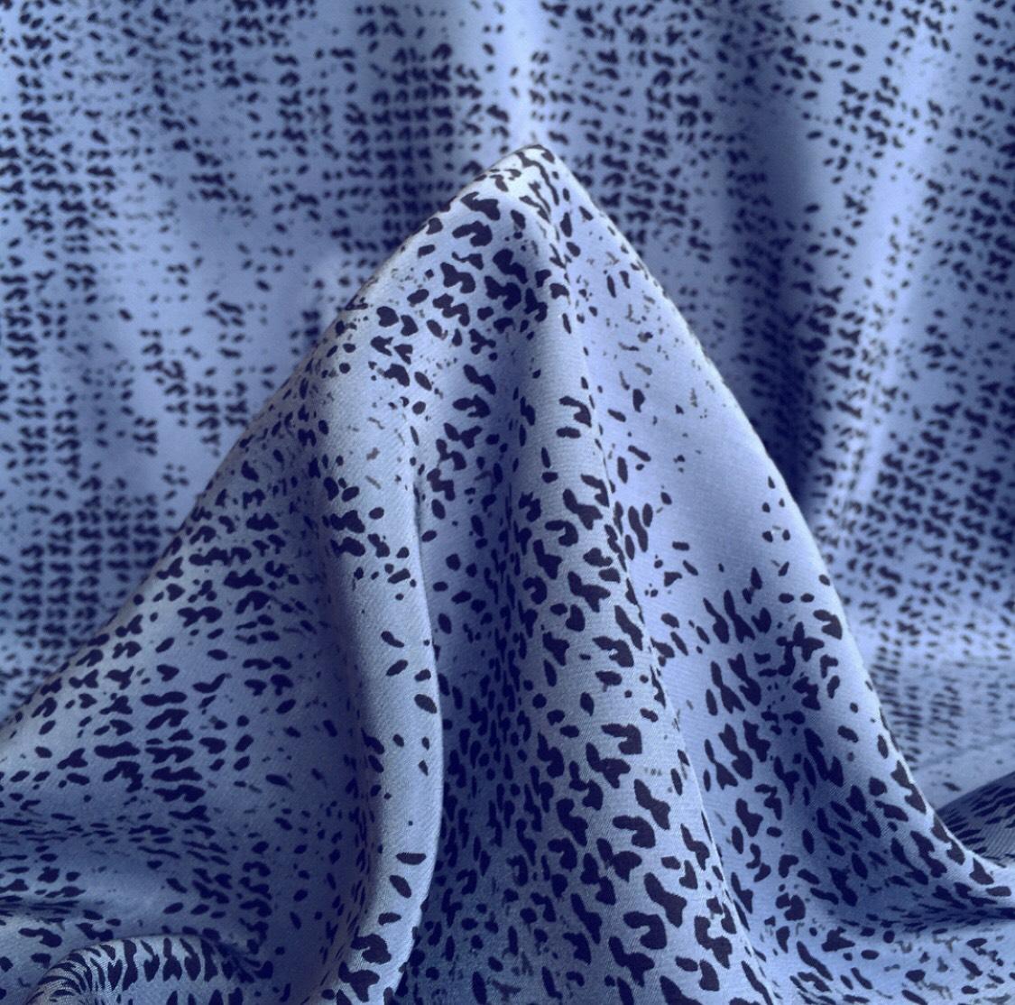Ткань шелк синий черный принт