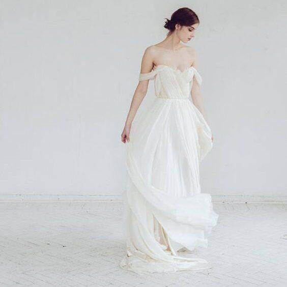 Шелкавистая ткань для воздушных свадебных платьев