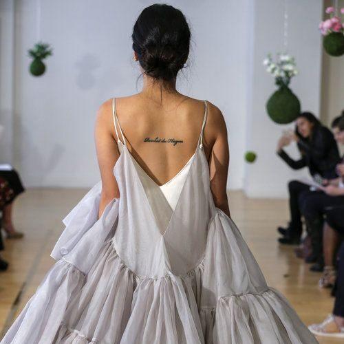 Ткань вискоза для вечернего платья с воланами