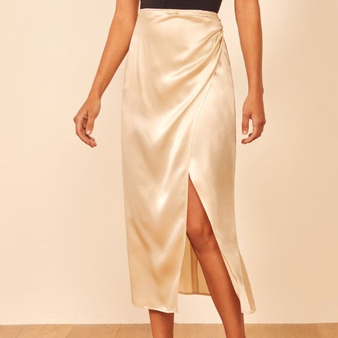 Шелковистая ткань для юбки с разрезом