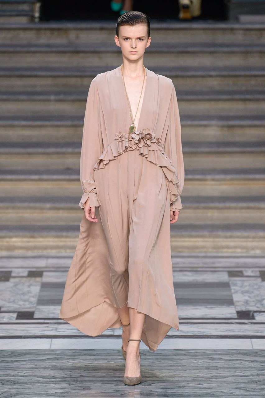 Платье из крепдешина