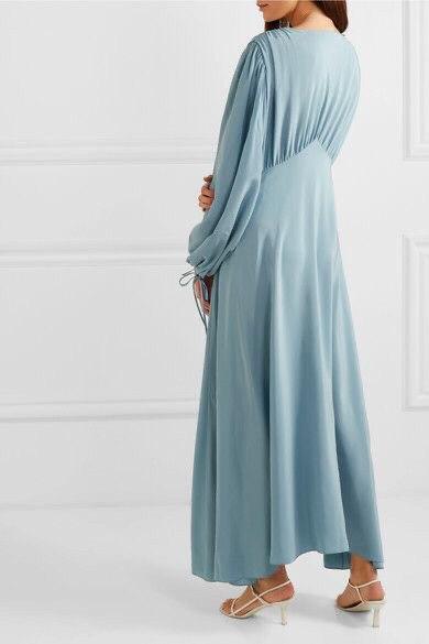платье из голубого крепдешина